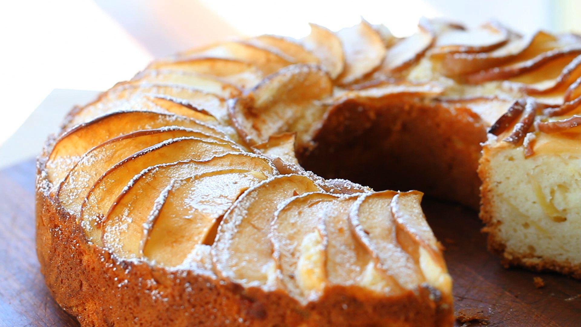 Пирог в микроволновке с яблоками рецепт с пошагово