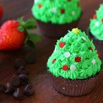 Alberelli di Natale con cioccolato e fragole