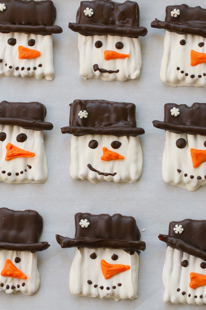 snowman chocolate pretzel cookies