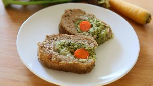 Vegetable meatloaf with yogurt