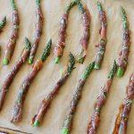 Bastoncini di asparagi al prosciutto crudo