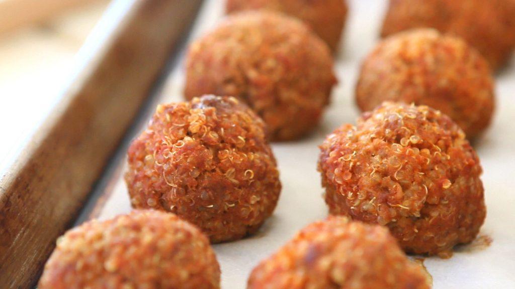 Source: http://www.buonapappa.net/wp-content/uploads/2016/05/quinoa-meatballs6-1024x576.jpg