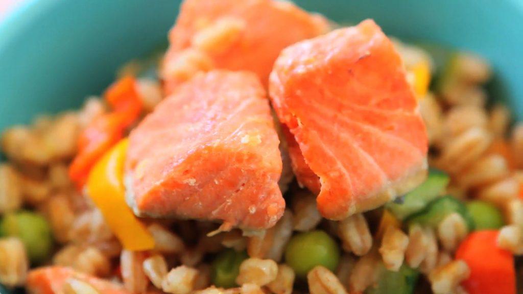 Insalata farro e salmone