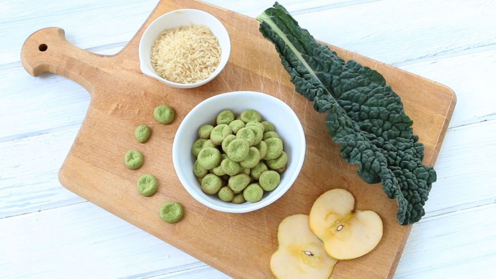 Homemade baby puffs - kale & apple