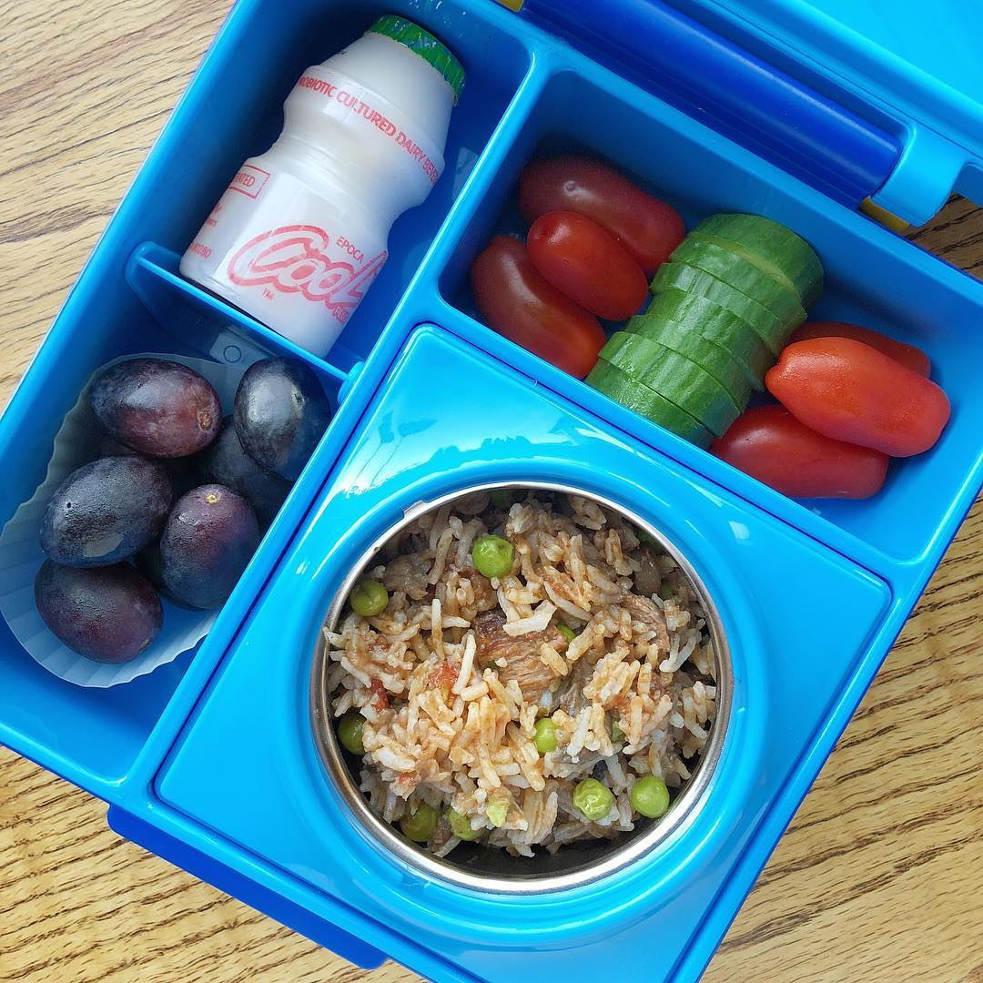 beef stew with mushrooms and sweet peas on a bed of rice (leftover from last night) + tomatoes + cucumber + grapes + probiotic drink. Happy lunchbox everyone