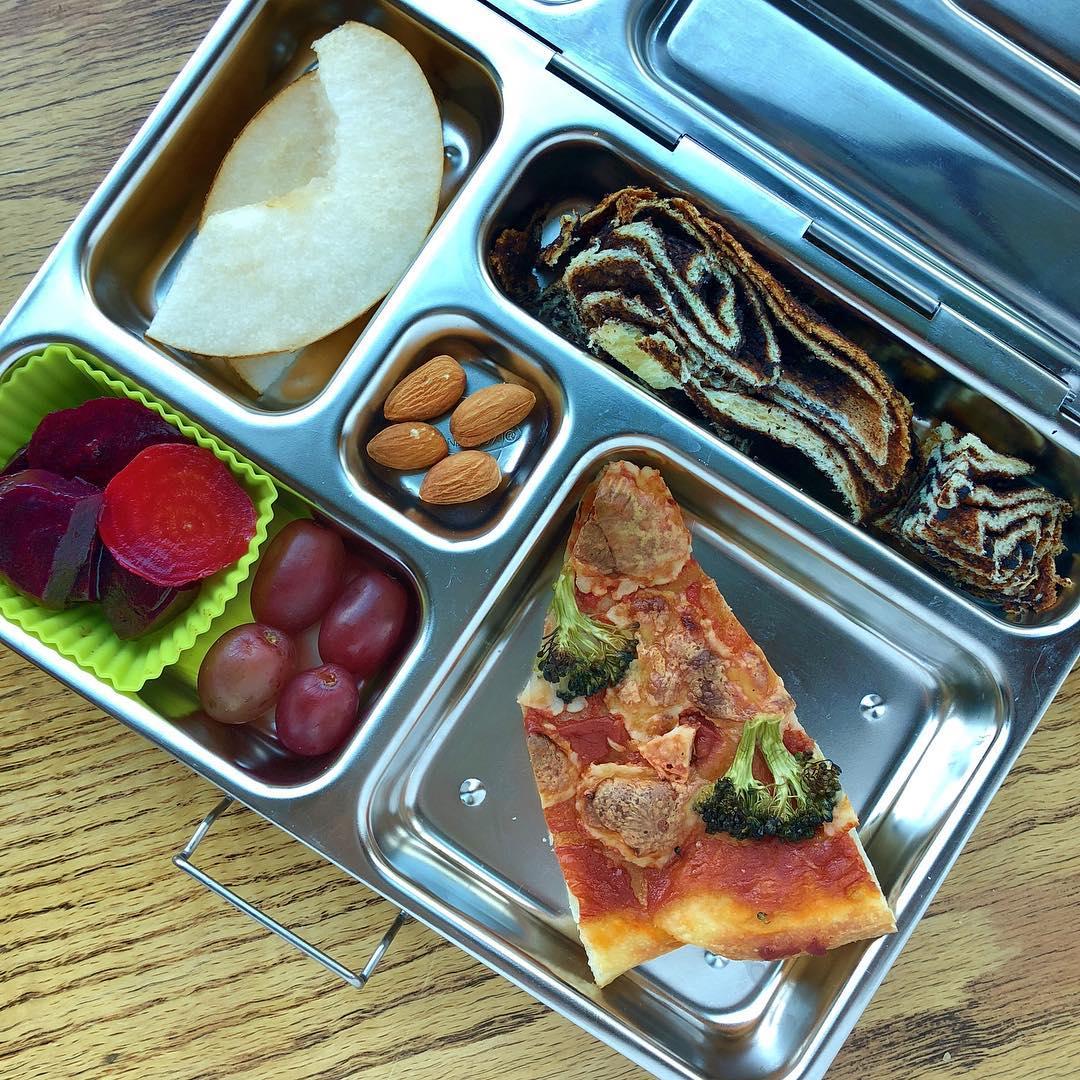 Homemade pizza with broccoli + beet salad + grapes + Asian pear + almonds + chocolate babka cake. Happy Wednesday