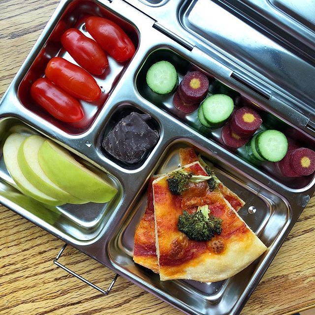 Marinara Broccoli pizza + cucumber + purple carrot + tomato + green apple + mango coated with dark chocolate