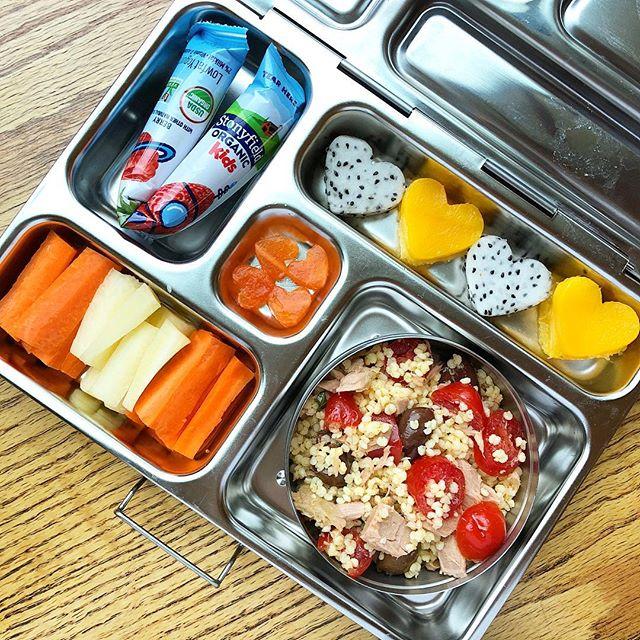 Millet tuna tomato salad + dragon fruit and mango hearts + carrot sticks + papaya tiny hearts + low sugar yogurt @stonyfield  Happy Wednesday