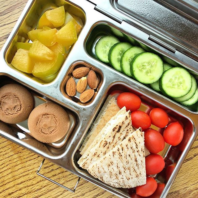 Easy summer Whole grain pita with cream cheese + tomatoes + cocoa cookies + cucumbers + plum + almonds  Ready in 5 min